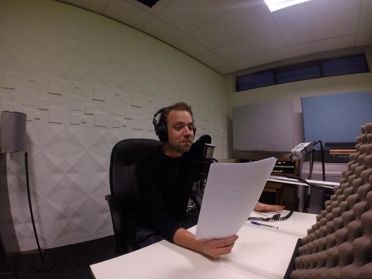 Jurjen van Loon in de studio bij Cue Creative